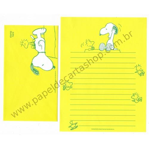 Conjunto de Papel de Carta Snoopy Verde Amarelo Antigo (Vintage) - Nihon Hallmark Japan
